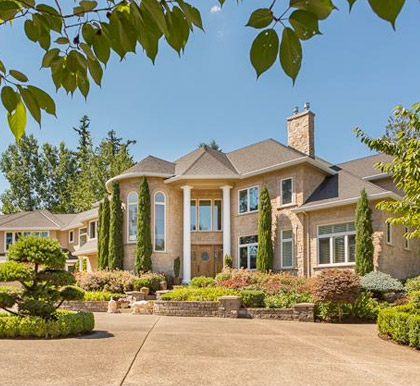 Homes in Lake Oswego